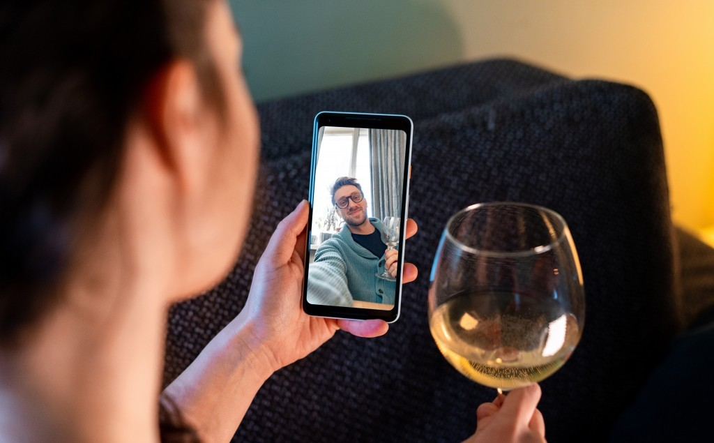 Helping UK Singles Beat the Loneliness of Lockdown